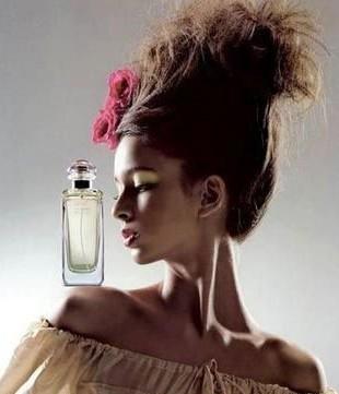 秋冬季节 教你巧用香水缓解压力