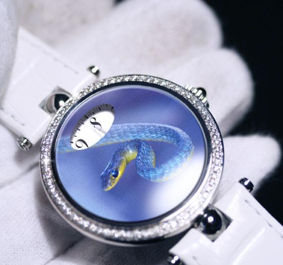 Angular Momentum推蛇年纪念腕表