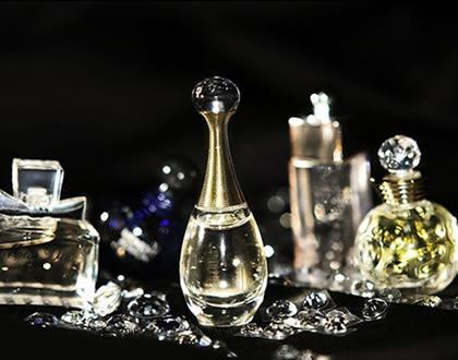 初秋揭秘 8个秘招让香水发挥最强功效