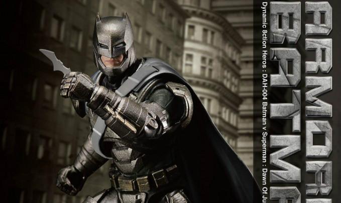 野兽国 究极英雄系列《蝙蝠侠大战超人:正义黎明》重装蝙蝠侠