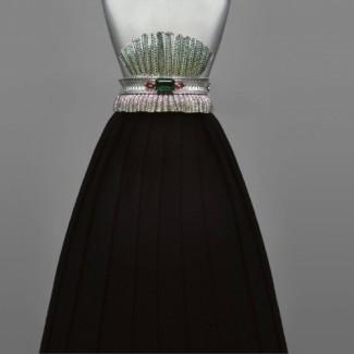 Archi Dior系列Bar en Corolle高级珠宝手镯 来自Corolle高级时装的建筑美学