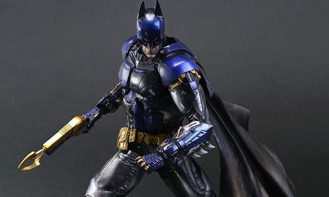 PLAY ARTS改《蝙蝠侠:阿卡姆骑士》蝙蝠侠 SDCC 限定配色