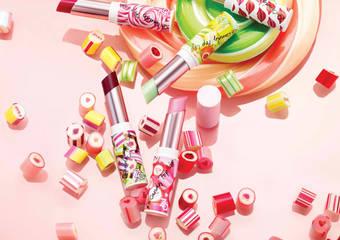 """ZA - 一抹注入水润保湿与鲜明色彩的果汁唇彩""""果汁糖缤纷唇彩""""9月限量发售"""