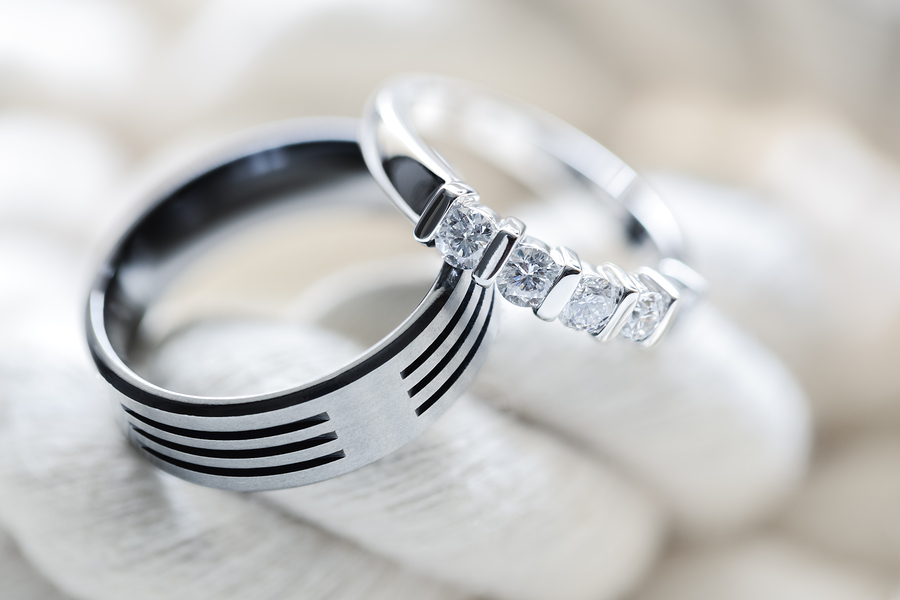别在只知道铂金、k金 它才是珠宝界的黑马一举成为设计师最爱的材质