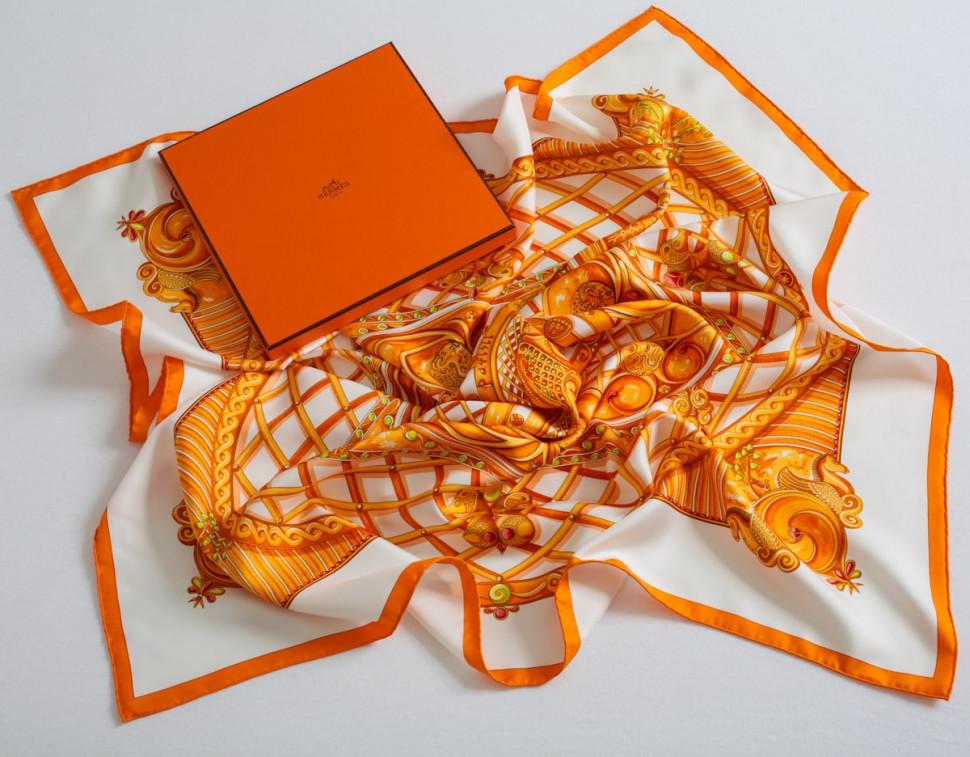 如何分辨爱马仕丝巾真假 学会这七招不怕买到假货