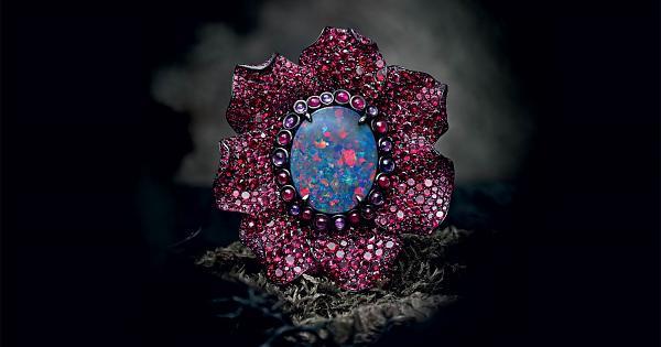 特效般的魔幻珍作! 萧邦 Fleurs d'Opales戒指