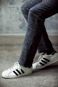 黑白就是王道!大人的夏季运动鞋6精选
